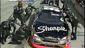2004 Ford 400 - Busch Loses Wheel
