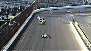 Pippa Mann golpea al final el muro de boxes - Práctica miércoles Indy 500