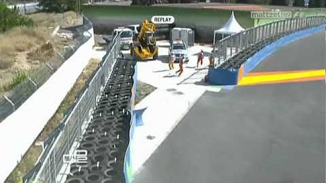 Kral airbourne crash in GP2, Valencia 2010