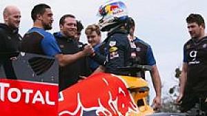Даниэль Риккардо против команды регбистов