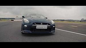 Nissan GT-R y Drone: 0-100 km/h en 1,3 segundos