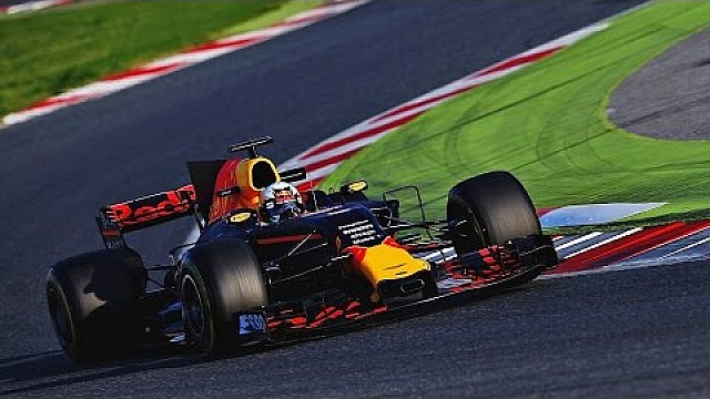 Formula 1 The RB13 takes to the track in Barcelona!