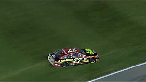 Kansas: Crash von Ty Dillon und Erik Jones