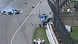 Le terrible crash de Dixon et Howard à l'Indy 500