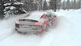 Audi R8 V10 долає сніг