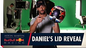 Daniel Ricciardo présente son casque 2018